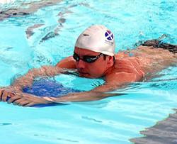 Jak Scott Swimming