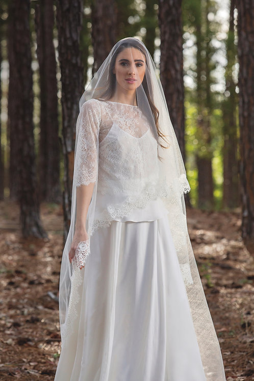 Lace Edge Mantilla Veil