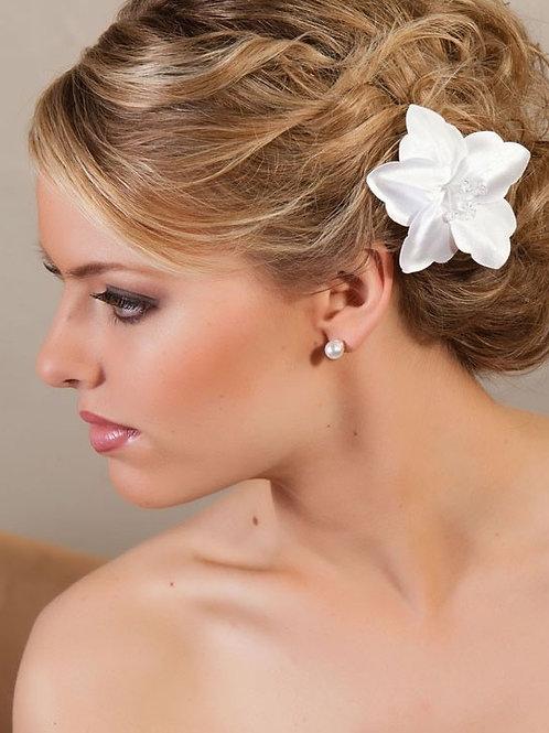 Delicate Flower Hair Pin