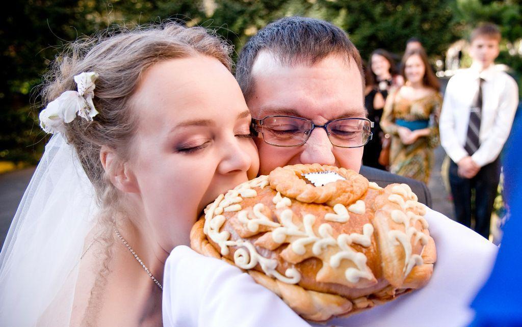 xleb-sol-na-svadbe-foto
