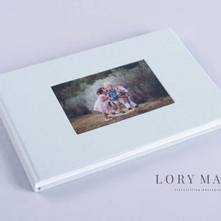 Exclusive photo album with cameo window