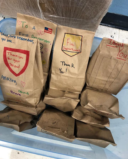 Student-made lunches for firefighters-Nashville