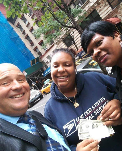 Thanking USPS worker-NYC