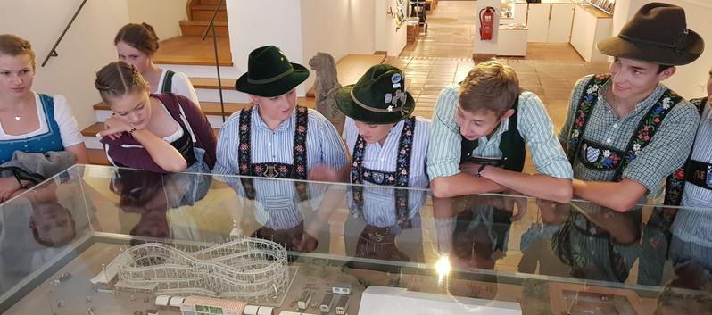 001._Im_Gäubodenmuseum.jpg