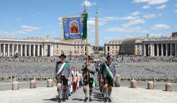 02. Einzug Petersdom
