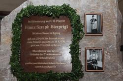 Gedenkstein Pfarrer Bierprigl