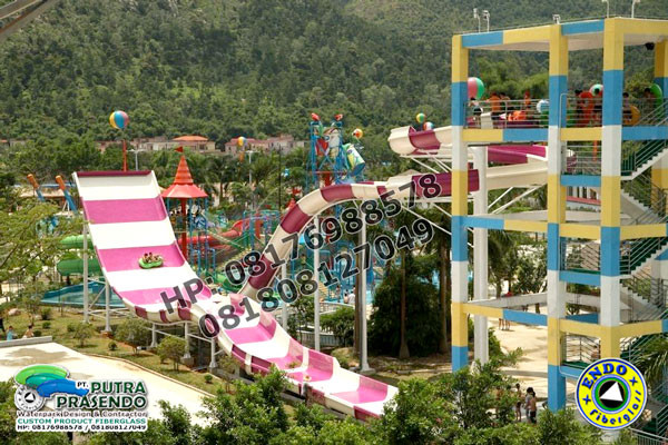 Boomerang-Waterslide-Waterpark-1