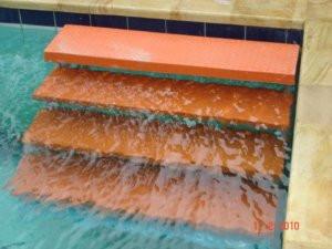 Jasa pembuatan tangga kolam renang fiberglass