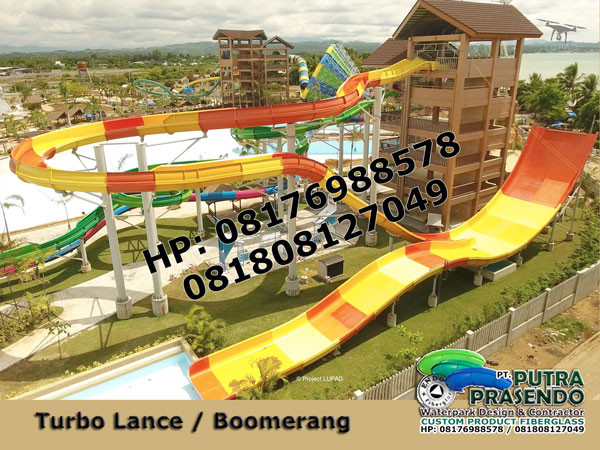 Boomerang-Water-Slider-Waterpark-2