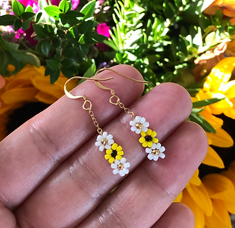 Daisy and Sunflower Beaded Earrings by Petite Sunflower Shop