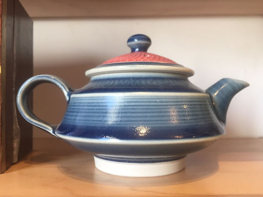 Teapot by Hsin-Chin Lin