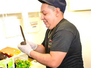 Serving Up Fresh, Satisfying Guacamole-El Vaquero Mexican Restaurant