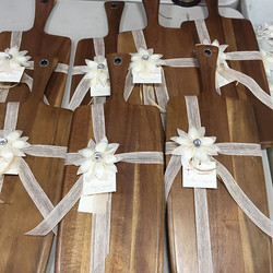 Our acacia wood boards are great for entertaining and serving!!#bomboniere#favors#giveaways#partygif