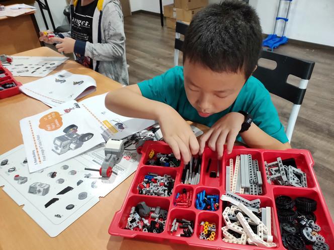 Robotics 1.jpg