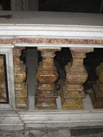 Altare chiesa 05.JPG