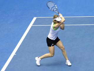 テニスで強いショットを打つには?!