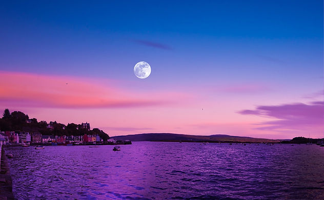 full-moon-1751814_1920_edited.jpg