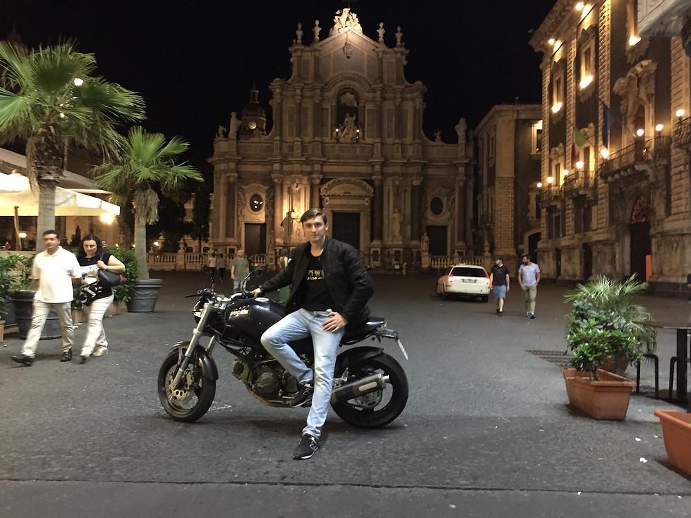 Катание на мотоцикле