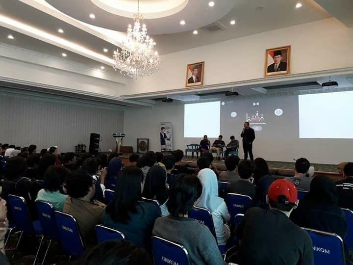 Rolip Saptamaji di Unikom Bandung