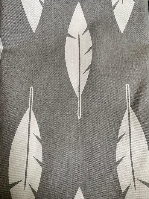 Retazo flecha gris 1,40x0,33