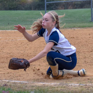 Katie Reed Dives for a Pop Up