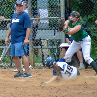 Alayna Gets Under the Tag at Third