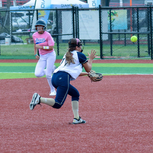 Ava Mahnken Grabs a Pop Up Against the Corona Angels
