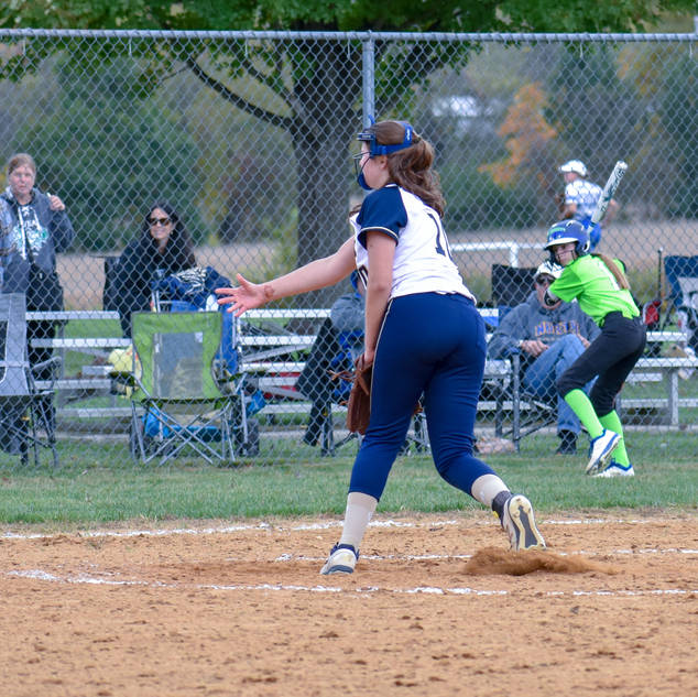 Violet Marta Pitches Against the Intensity