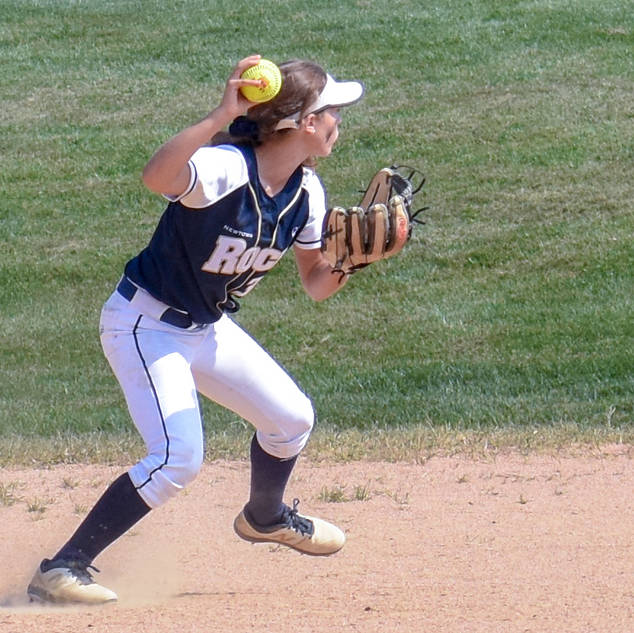 Alayna Giampolo Makes the Play at Second