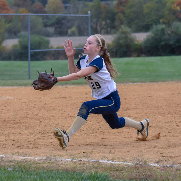 Katie Reed Lays Out for a Pop Up
