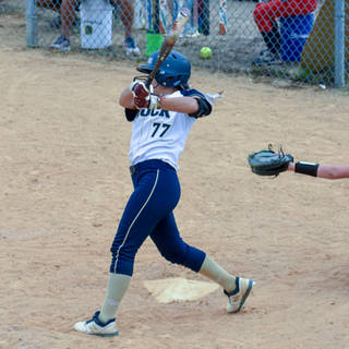 Ava Mahnken Gets a Hit Against the Liberty