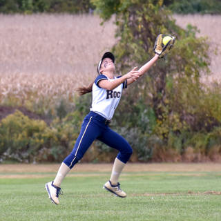 Alayna Giampolo Makes a Leaping Catch