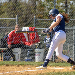 Violet Marta Gets a Hit Against the SJ Mystics