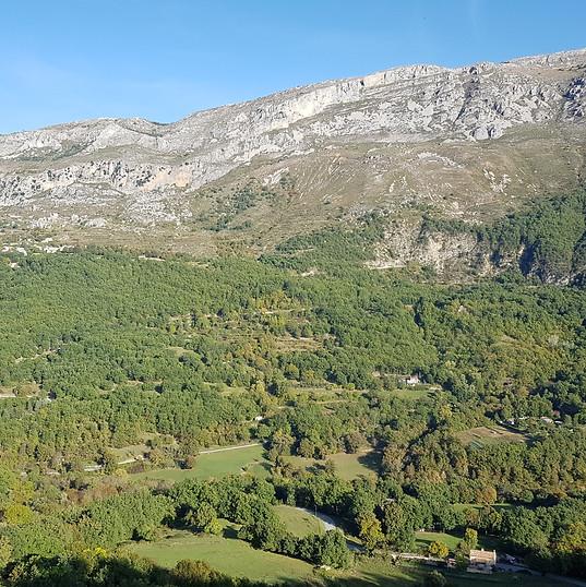 Vue de Cipières sur le Cheiron