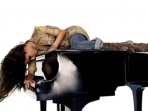 Celebrities Who Play The Pop-Style Piano
