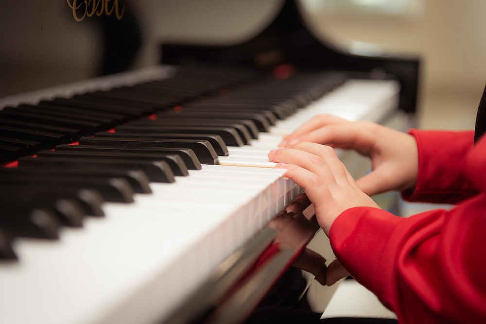 major benefits to start playing the piano