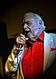 Hamish Maxwell vocalist with the Sunset Cafe Stompers