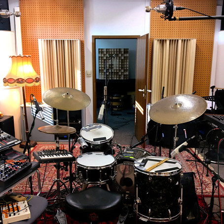 electroacoustic drumming