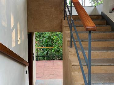 •stairs_2440.jpg
