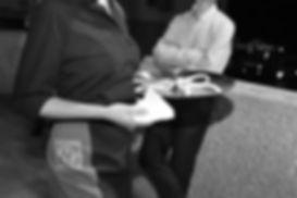 waiter-1569807_1280.jpg