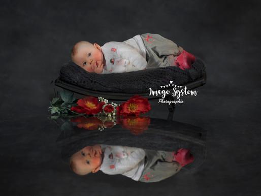 Séance portrait baby au Studio Cruseilles Haute Savoie  Réservation sur 🌹 www.imagesystemphotograph