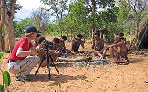 TV - Produktion - Afrika Making of Hoansi-San am Feuerplatz