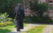 Dokumentarfilm - Mit Gottes Hilfe Ausverkauf im Kloster