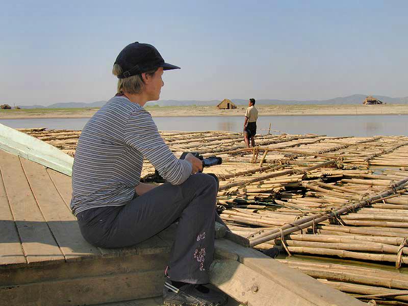 Bambusfloß_auf_dem_Irrawaddy.jpg