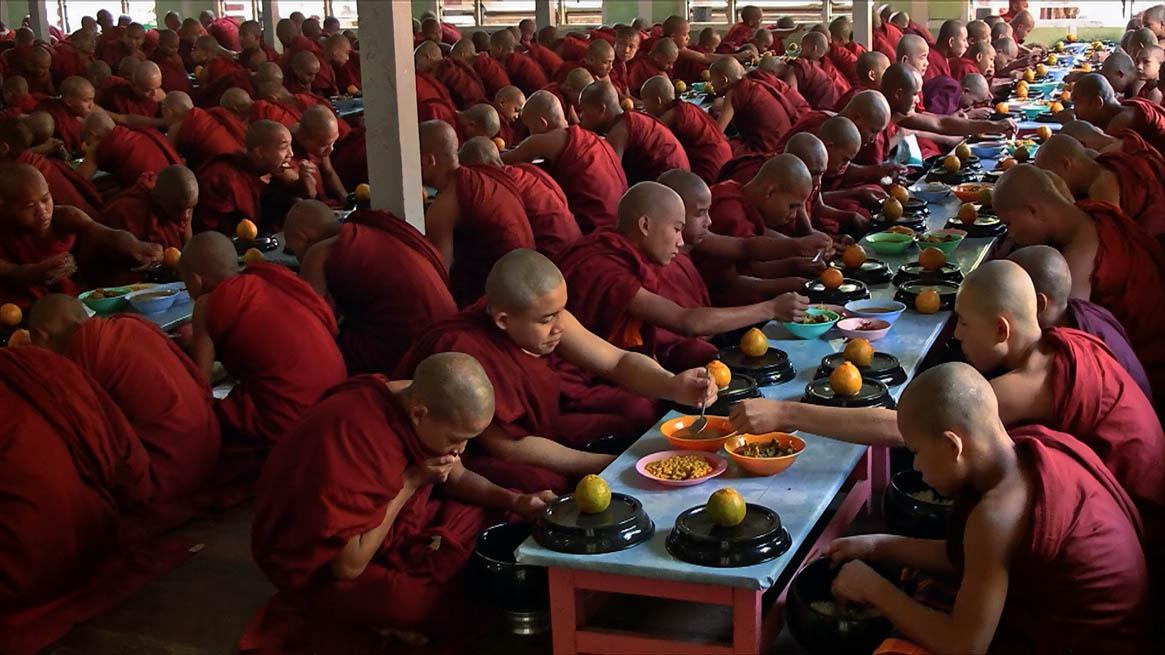 Myanmar_Mönche.jpg