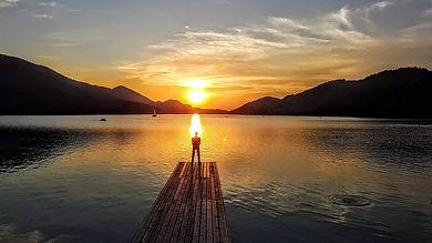sunset-3851581_1280.jpg