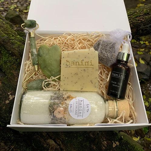 Jade Roller and Skincare Pamper Gift Set - Superfoods