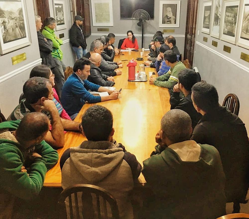 A assembleia de fundação foi realizada na Câmara Municipal de Petrópolis.