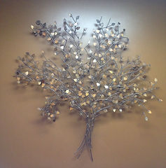 Lima Ohio dentist reception room decor depicting a metal tree