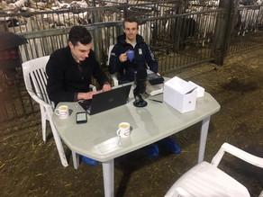 Podcast ''Tegeltjeswijsheden'' opgenomen in de stal